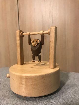 🚚 單槓猴子音樂盒
