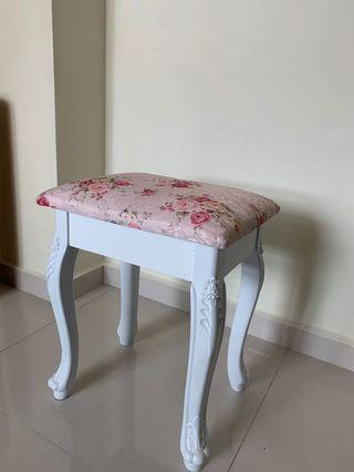 🚚 Stool Makeup Chair French Style