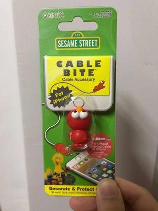 降價⬇️芝麻街 Elmo 咬線器/保護套