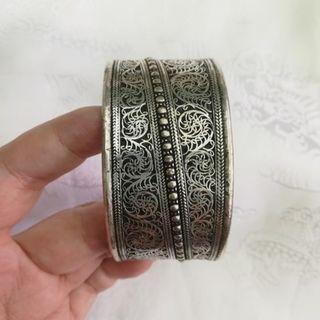 🚚 甘丹文物 ^_^ 尼泊爾 藏銀 掐絲 手鐲 手環 寬版 (斜)
