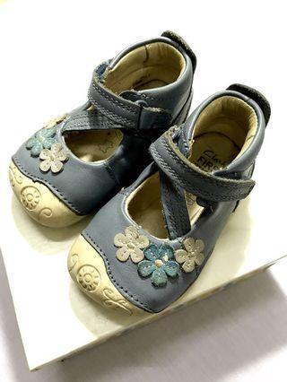 Preloved Clarks First Shoes Ida Elza