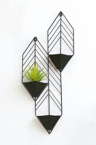 Nordic Wall-mounted Metal Plant Pot