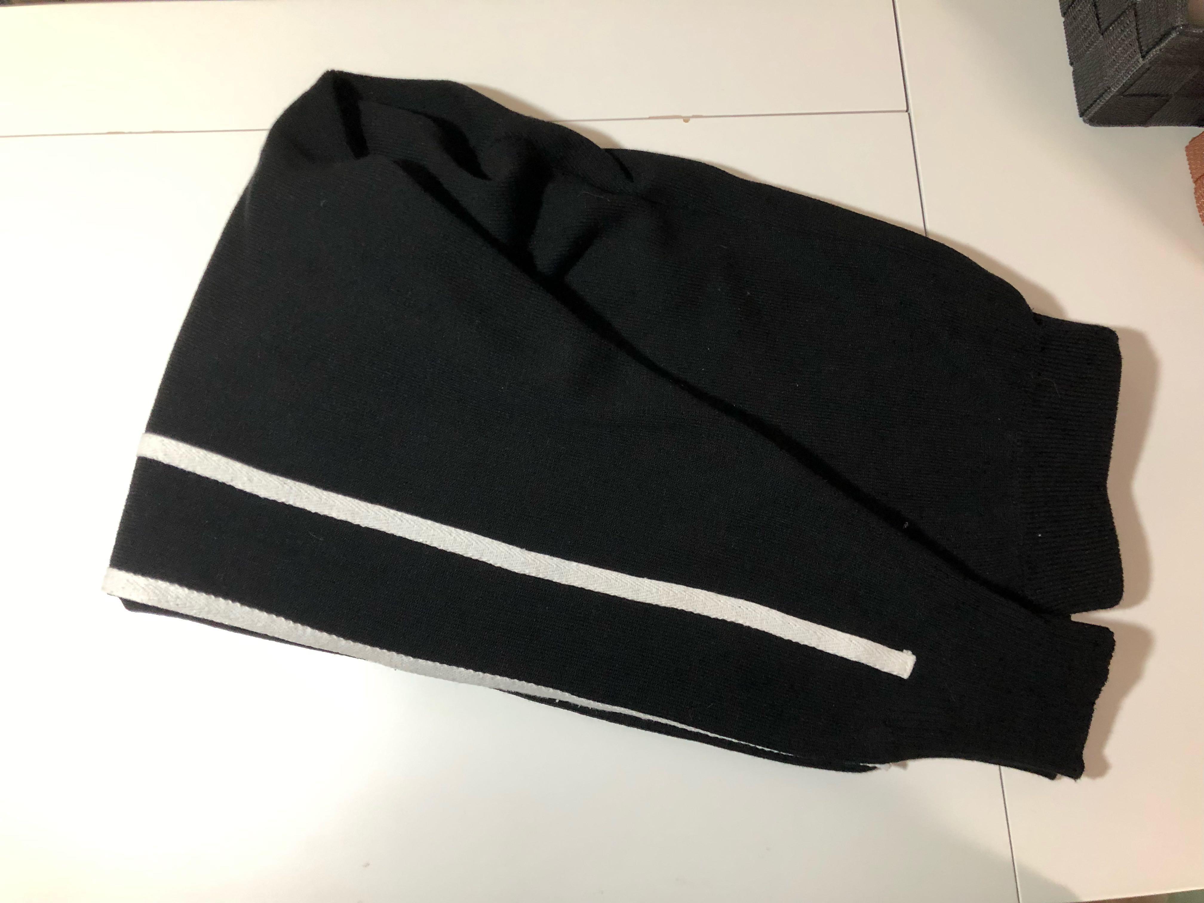 黑色白間厚身運動褲