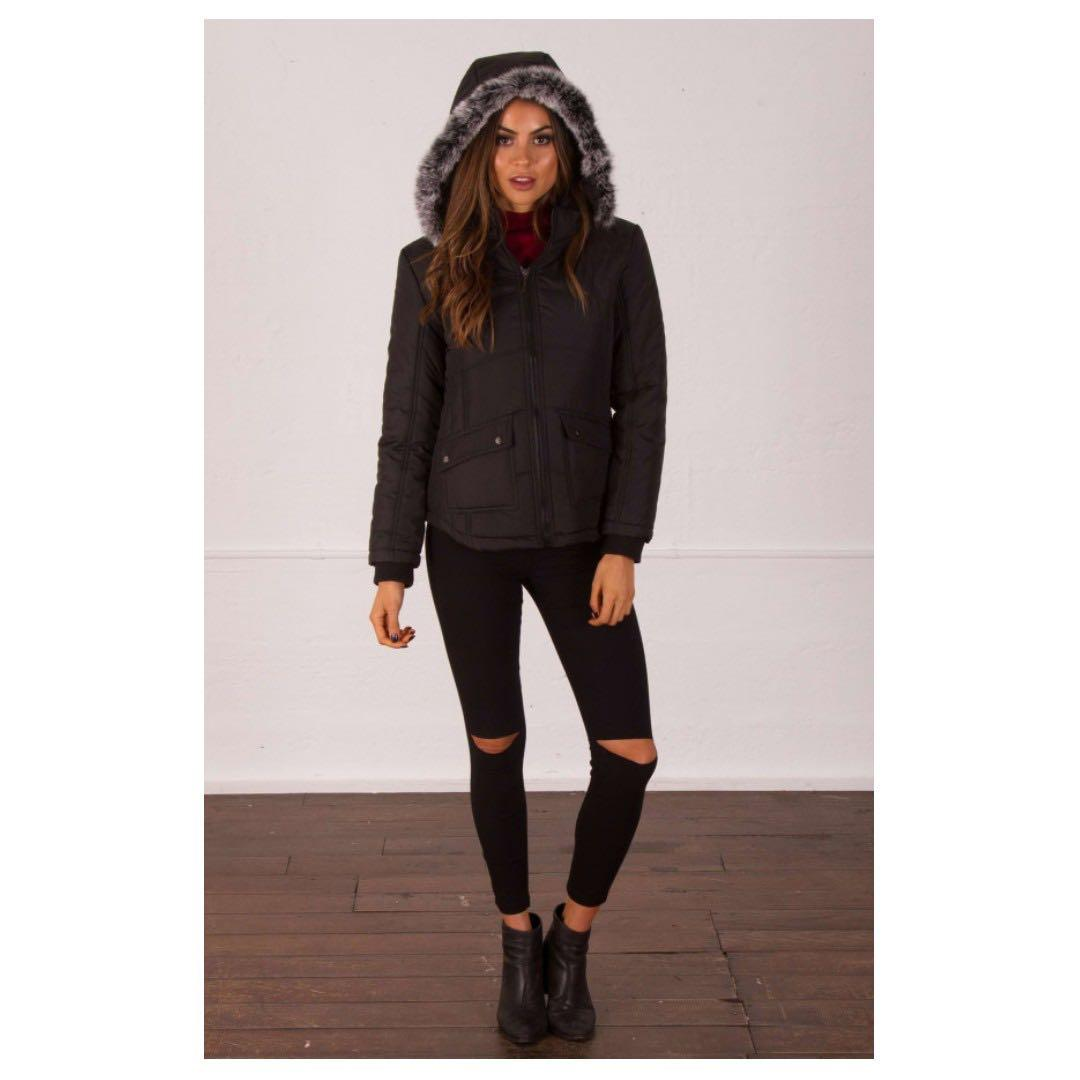 AFTERPAY AVAILABLE - SHORT PUFFER JACKET FAUX FLUFF HOOD XS - L