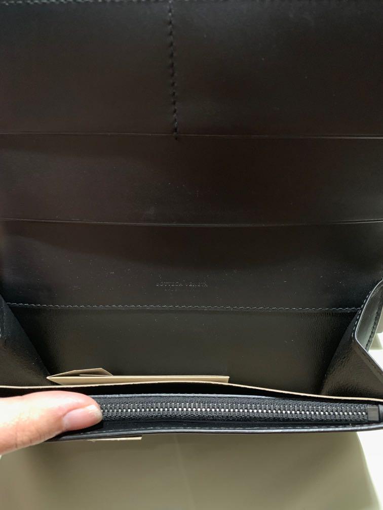 Bottega Veneta Intrecciato Bi-Fold Long Wallet