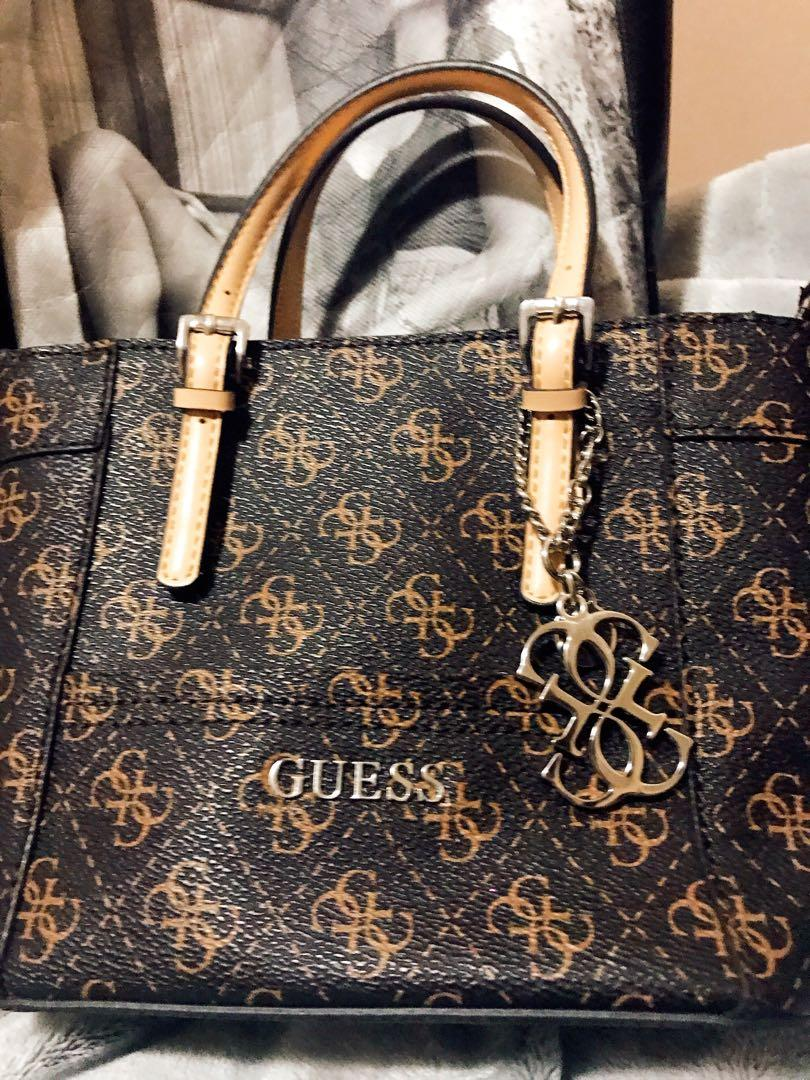 Guess bag New  pick up from Derry Rd W, Mississauga, On