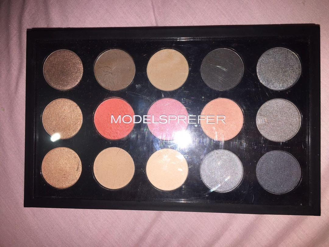 Models Prefer Spectrum Collection Eyeshadow Palette