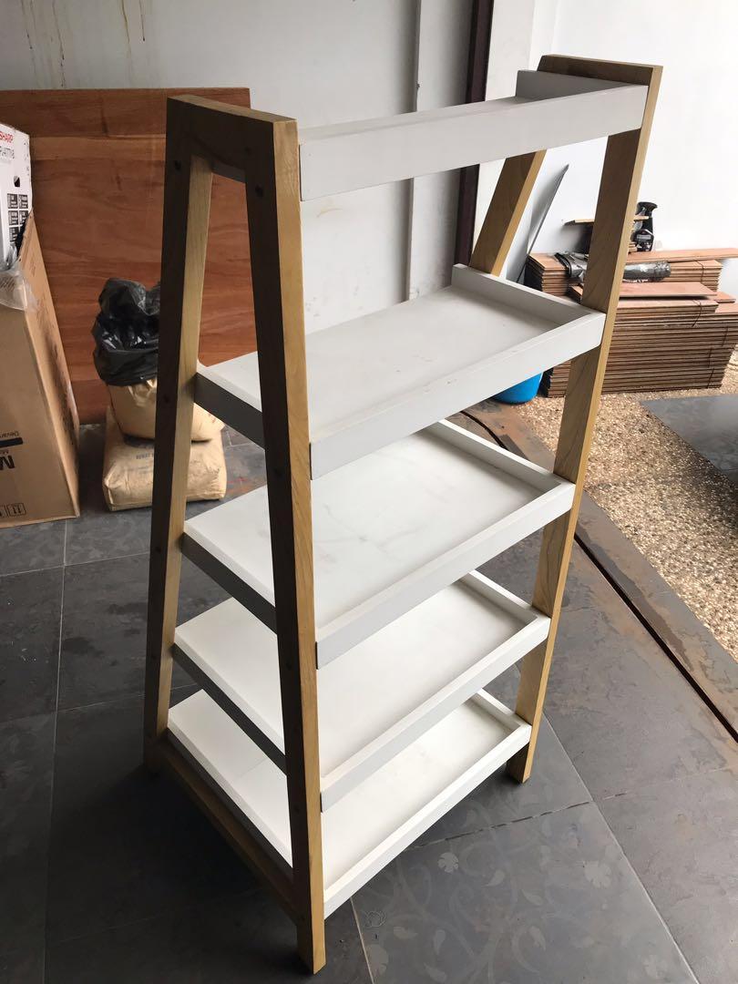 Rak display kayu untuk produk, pajangan, buku atau mainan