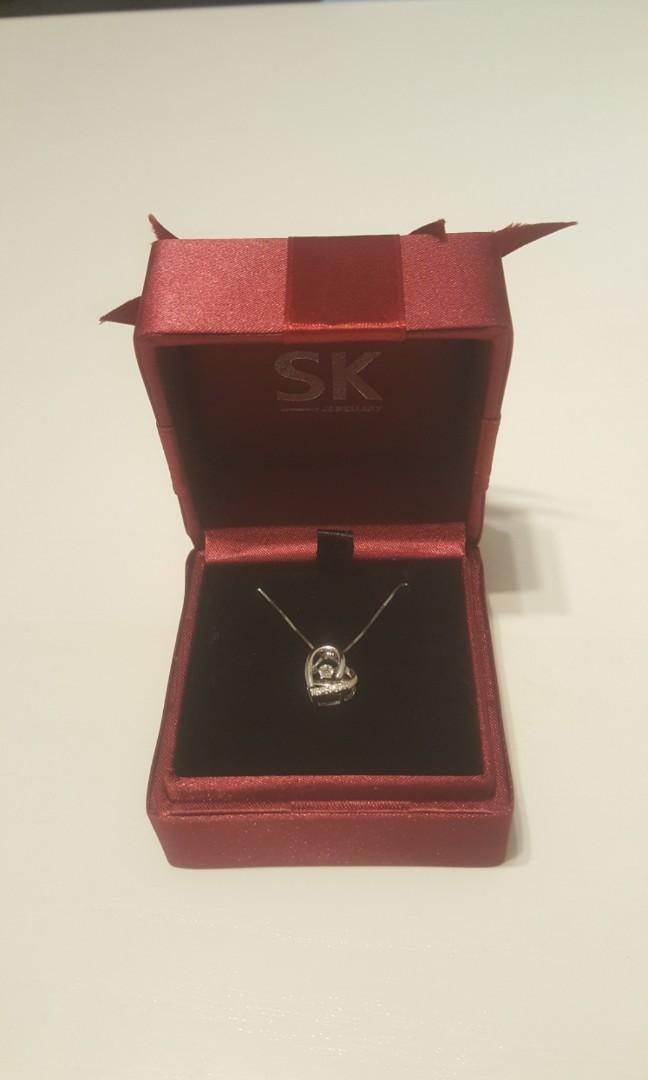 SK Jewellery Dancing Diamond Pendant with Necklace