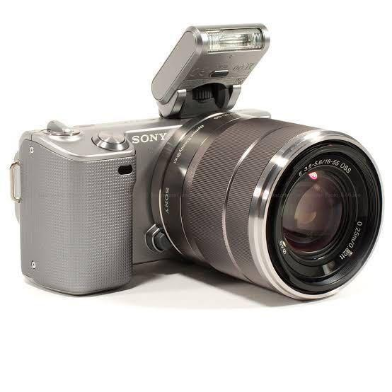 Sony nex 5 mirrorless (full set)