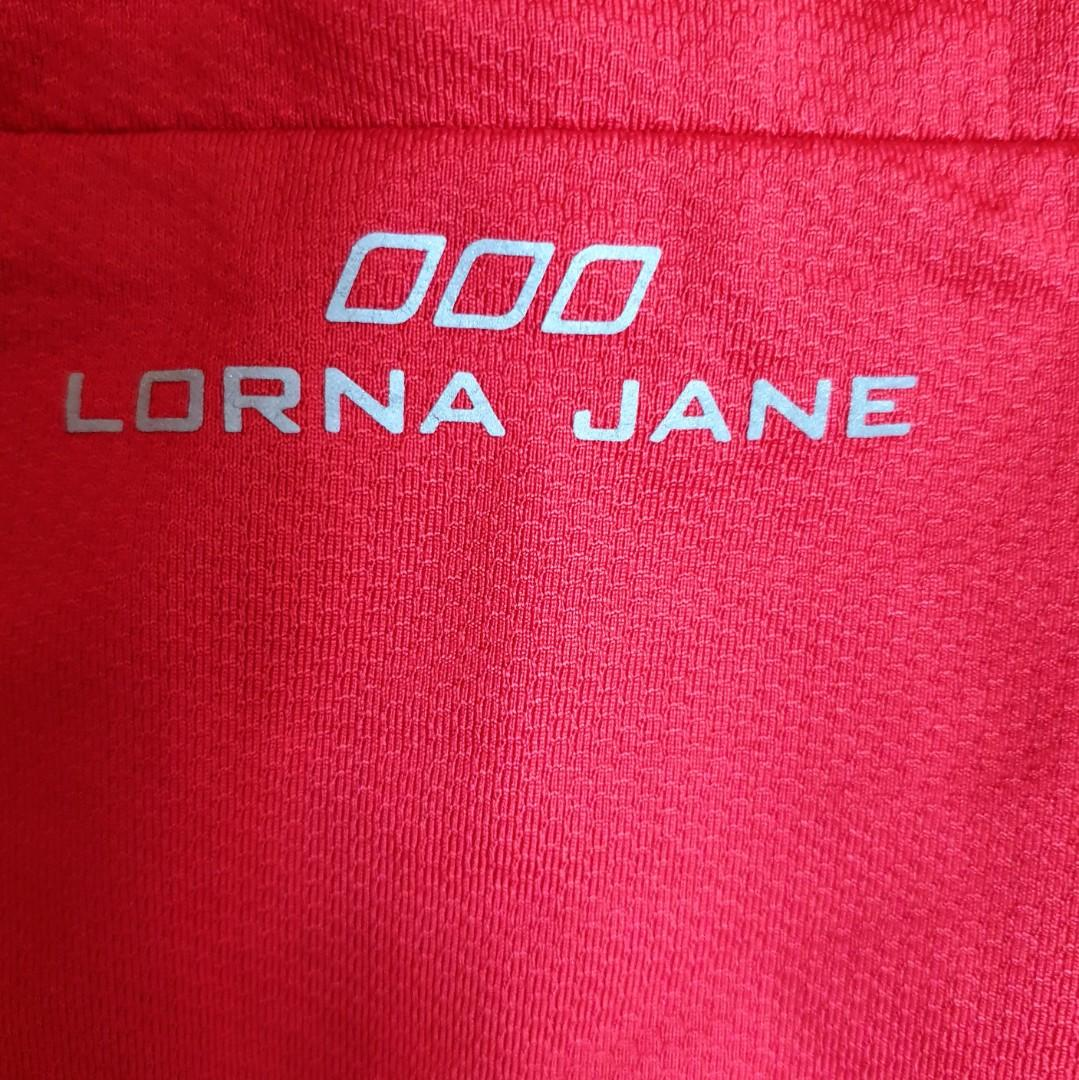 Women's size M 'LORNA JANE' Gorgeous red active wear cross back top - AS NEW