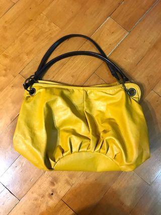 Lady handbags Mustard yellow colour 女士手袋芥辣黃色,可上膊,容量大