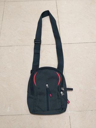 Adidas 男装腰/鈄揹两用袋