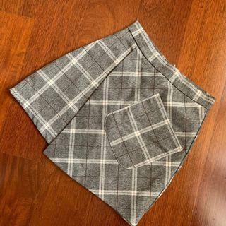 👏🏽 Korean Asymmetrical Grid Skirt