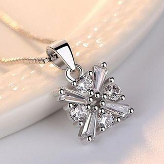 S925 Silver Classic Square Crystal necklace