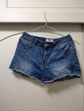 Mango 牛仔短褲 (size:eur38/usa6/mex5)