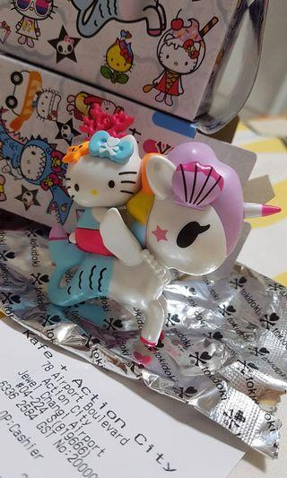 🚚 Tokidoki x Hello kitty series (Blind box figurine)