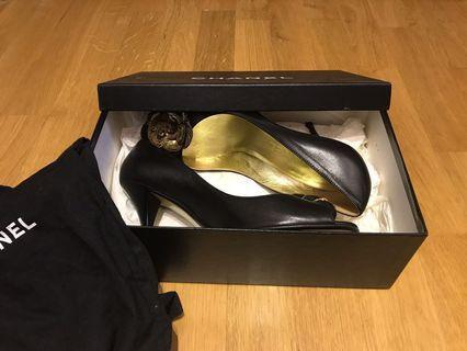 Rare Vintage CHANEL Lambskin Camellia high heel shoe #MILAN02 #MILAN12