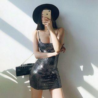【黑店】歐美性感反光細肩帶洋裝 超大彈性灰色反光細肩帶洋裝 歐美性感洋裝 灰色包臀洋裝ZG147