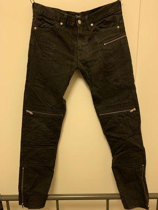 🈹️UNDERCOVER • Zipper jeans Size2.(washed black colour.)