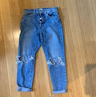 Forever 21 mom jean style (27 waist size)