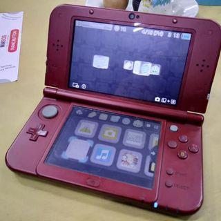 -USED- new 3ds XL non-modded + 4gb sd + 3 free games