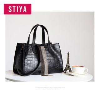 Ladies Single Shoulder Leather Handbag