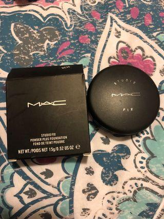 Mac studio fix NC35 powder plus foundation