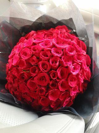 99 roses bouquet