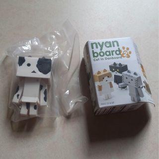 全新Nyan Board 2 紙箱貓-黑白