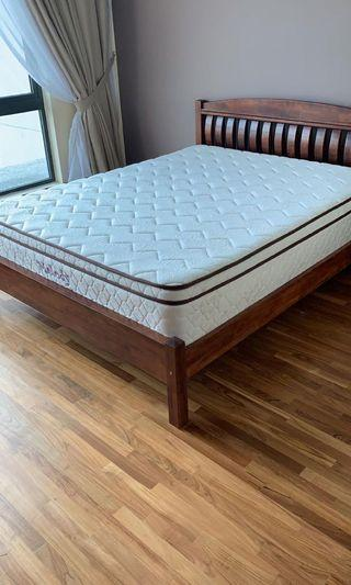 Queen mattress with wooden bed frame