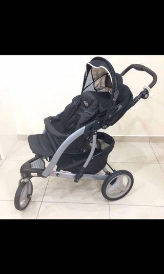 Baby stroller in perfect condition * price Nego*