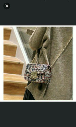 🚚 BN beautiful color unique sling bag shoulder clutch handbag