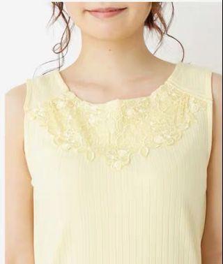 🍬日系🍬喱士貼花無袖背心上衣 Japan fashion embroidery lace trim tank top singlet sleeveless tee shirt - white top yellow top