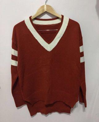 🚚 實拍!毛衣V領寬鬆條紋毛衣紅色暗紅色毛衣前短後長毛衣 小鎮姍姍同款打盹的貓 近全新#半價衣服拍賣會