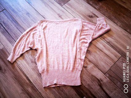淡粉薄針織線衫七分蝙蝠袖全新