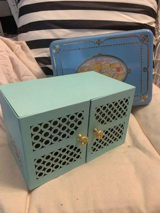 Decorative moon cake storage box & Forever Friends Tin box