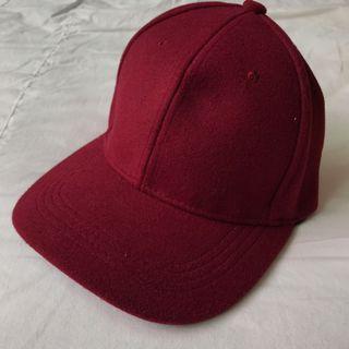 🚚 酒紅毛料棒球帽