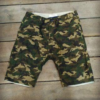 Short pants camo