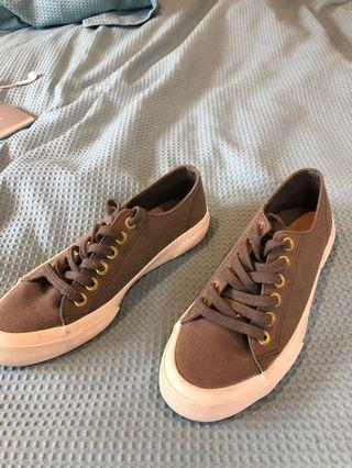 Country Road Canvas Shoes 5