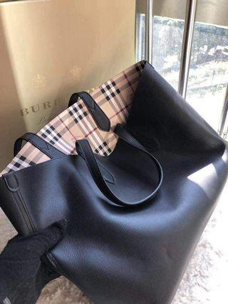 🚚 Burberry bag