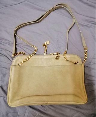 Chloe shoulder bag. Beige colour.
