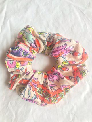 Scrunchy - cute fluro pattern