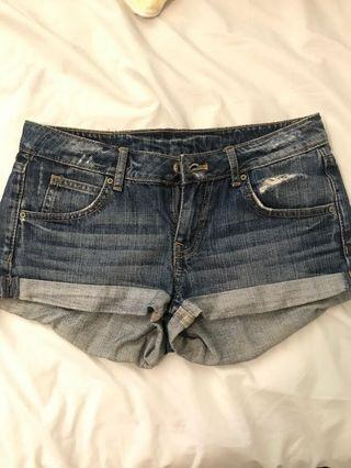 H&M denim shorts size 6