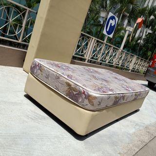 Single matress and bed