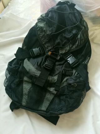 Z.o.f backpack 背囊 green black 型背包