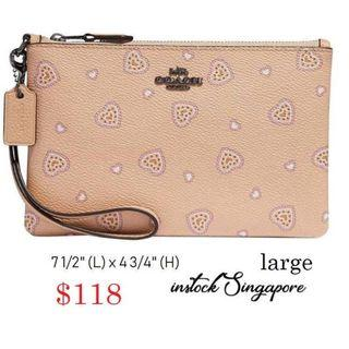 READY STOCK -AUTHENTIC - NEW Coach Wristlet With Western Heart Print BEECHWOOD WESTERN HEART 29667
