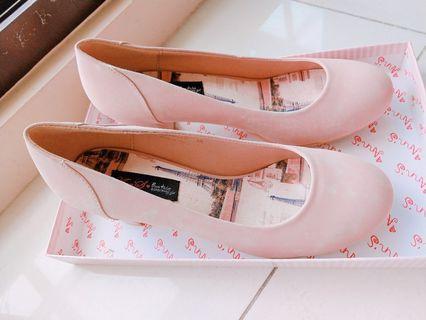 Ann's 粉紅高跟鞋