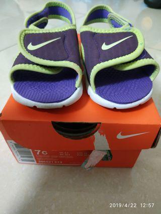 Nike 兒童涼鞋