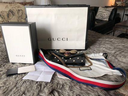 Authentic Gucci broadway pearly bee leather  shoulder